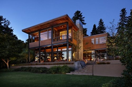 Glass-lake-house-with-bold-steel-frame